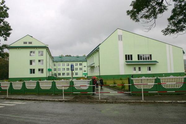 Нове приміщення школи